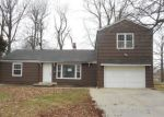 Foreclosed Home en MOATS DR, Kansas City, MO - 64133