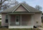 Foreclosed Home en N ELM ST, Clinton, IL - 61727