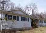 Foreclosed Home en ELIZABETH LN, New Milford, CT - 06776