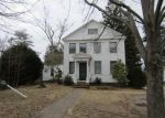 Foreclosed Home en HILL ST, Bristol, CT - 06010