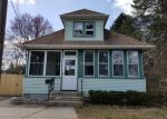 Foreclosed Home en SOUTH ST, Spotswood, NJ - 08884