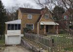 Foreclosed Home en WHITE OAK DR, Verona, PA - 15147