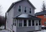 Foreclosed Home en WOODLAWN AVE, Mountain Top, PA - 18707