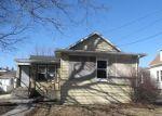 Foreclosed Home en HENNEPIN ST, La Salle, IL - 61301