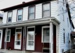 Foreclosed Home en S RAILROAD ST, Myerstown, PA - 17067