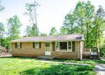 Foreclosed Home en BUTTERFLY LN, Lynch Station, VA - 24571