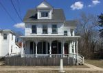 Foreclosed Home en S 4TH ST, Millville, NJ - 08332
