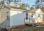 Foreclosed Home en THURSTON DR, Hope Valley, RI - 02832