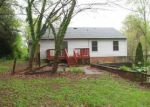 Foreclosed Home en OAKLAND DR, Madison Heights, VA - 24572