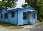 Foreclosed Home en WILLOW ST, Labadieville, LA - 70372