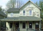 Foreclosed Home en OAK AVE, Carbondale, PA - 18407