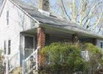 Foreclosed Home en COTTAGE LN, Monroeville, PA - 15146