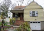 Foreclosed Home en N STILES ST, Linden, NJ - 07036