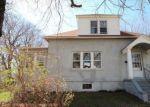 Foreclosed Home en YARWOOD ST, Stratford, CT - 06615