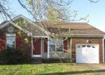 Foreclosed Home en GRASSMIRE DR, Clarksville, TN - 37042