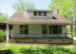Foreclosed Home en BUMPUS MILLS RD, Dover, TN - 37058
