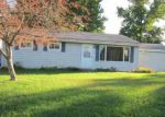Foreclosed Home en HICKORY DR, Clinton, IL - 61727