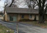 Foreclosed Home en E AMANDA AVE, Martinsville, IN - 46151