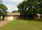 Foreclosed Home en ROCK HOLLOW DR, Choctaw, OK - 73020