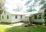 Foreclosed Home en VILLAGE DR, Feasterville Trevose, PA - 19053
