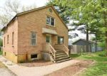 Foreclosed Home en ROBERTS RD, Mchenry, IL - 60051