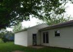 Foreclosed Home en E CHURCH ST, Farmland, IN - 47340