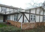 Foreclosed Home en PENRITH DR, Indianapolis, IN - 46229