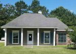 Foreclosed Home en OVERWOOD DR, Greenwell Springs, LA - 70739
