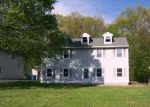 Foreclosed Home en CHERRY HILL DR, Bristol, CT - 06010
