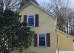 Foreclosed Home en COUNTRY CLUB RD, Middletown, CT - 06457