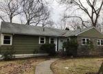 Foreclosed Home en EASTRIDGE DR, Waterbury, CT - 06708