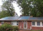 Foreclosed Home en GLYNDON LN, Richmond, VA - 23225
