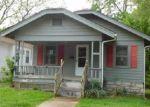 Foreclosed Home en E 28TH TER, Kansas City, MO - 64128