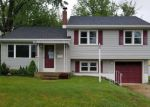 Foreclosed Home en HICKORY ST, Mount Holly, NJ - 08060