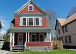 Foreclosed Home en HIGHLAND TER, Gloversville, NY - 12078