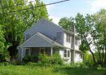 Foreclosed Home en CENTER AVE, Belford, NJ - 07718