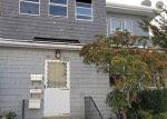 Foreclosed Home en W PRESTON ST, Hartford, CT - 06114