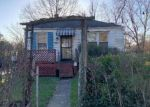 Foreclosed Home en CURLED OAKS PL, Capitol Heights, MD - 20743