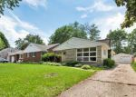 Foreclosed Home en LE GRANDE BLVD, Aurora, IL - 60506