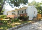 Foreclosed Home en OGDEN ST, West Haven, CT - 06516