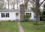 Foreclosed Home en MIDWOOD AVE, Waterbury, CT - 06708