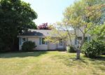 Foreclosed Home en YORK ST, Stratford, CT - 06615