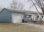Foreclosed Home en GREENBRIER RD, Waterloo, IA - 50703
