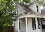 Foreclosed Home en S CAMP AVE, Olney, IL - 62450