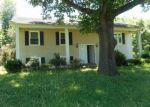 Foreclosed Home en PATTERSON MILL RD, Grottoes, VA - 24441