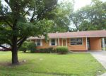 Foreclosed Home en CYPRESS AVE, Greenwood, MS - 38930
