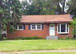 Foreclosed Home en OAKDALE DR, Waterford, MI - 48329