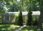 Foreclosed Home en SE PINECREST DR, Topeka, KS - 66605
