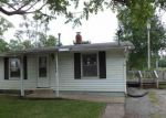 Foreclosed Home en S HINSHAW AVE, Bloomington, IL - 61701
