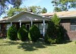 Foreclosed Home en COUNTY LINE RD, Locust Grove, AR - 72550